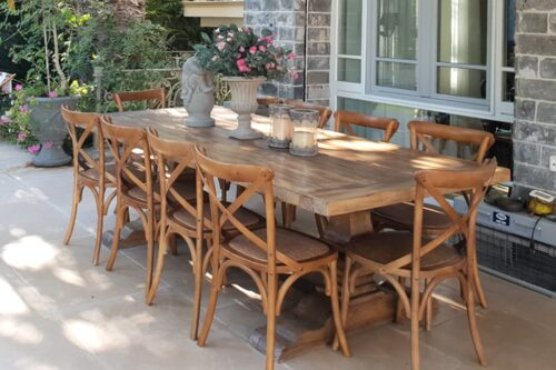 שולחן וכסאות אוכל מעץ