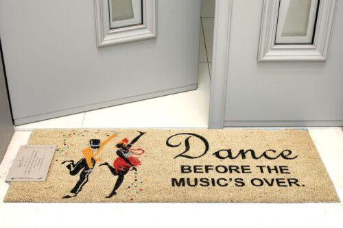 שטיח כניסה רקדנים