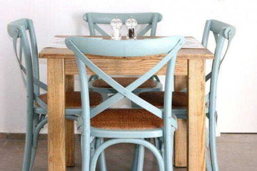 כיסא אוכל אפור מעץ איקס