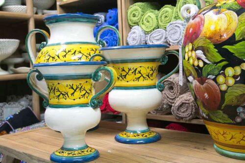כלים מקרמיקה לסידור פרחים