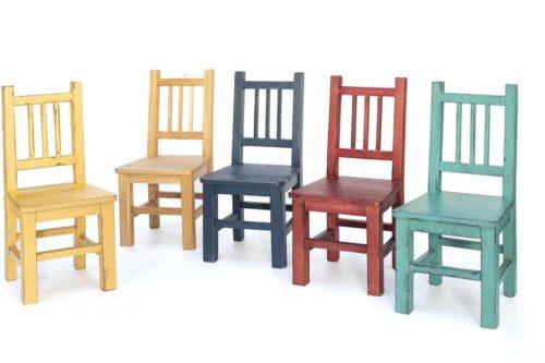 מודלים של כסאות צבעוניים