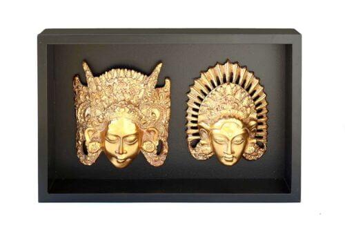 תמונה עם תבליטים של בודהה