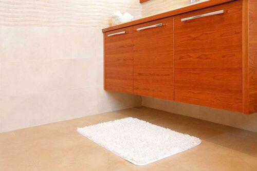 שטיח אמבטיה שאגי לבן