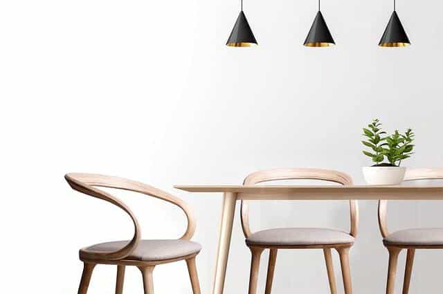 כסאות עץ מיוחדים
