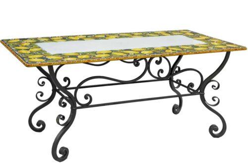 שולחן אוכל מצויר מקרמיקה