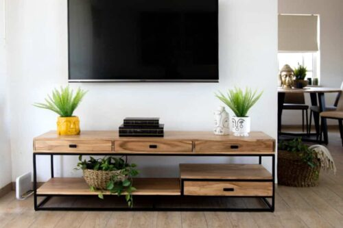 שידת טלוויזיה ברוחב 160