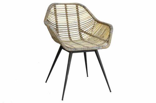 כסא במבוק מעוצב