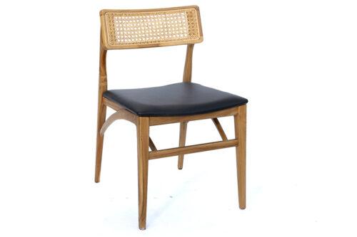 כסא מעוצב עם ריפוד